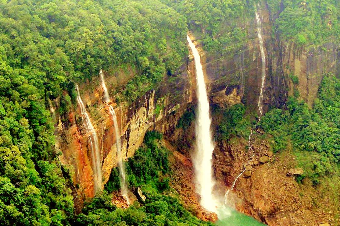 Five Waterfalls to be Visited in North-East India Nohkalikai Falls