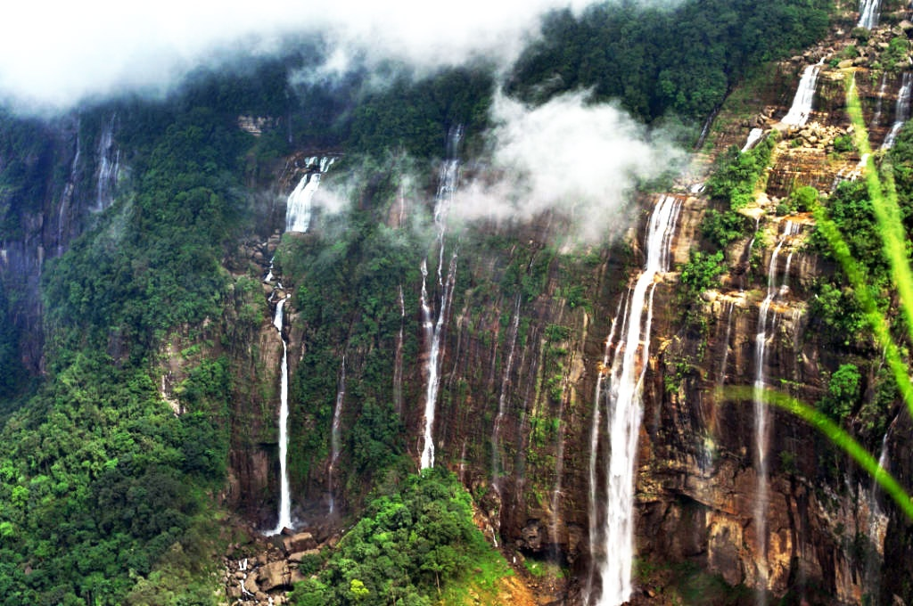 Five Waterfalls to be Visited in North-East India Nohsngithiang Falls