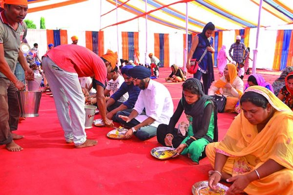 Langars at the gurudwaras a place for fostering communal harmony